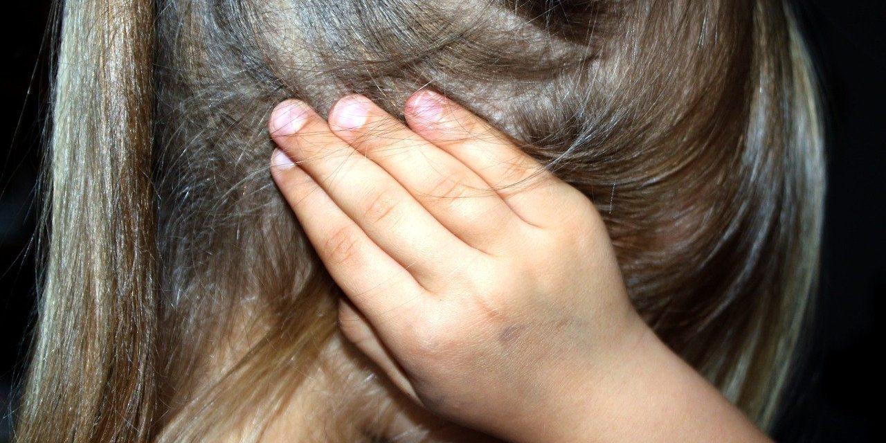 Шестина деце у Србији добија батине у породици