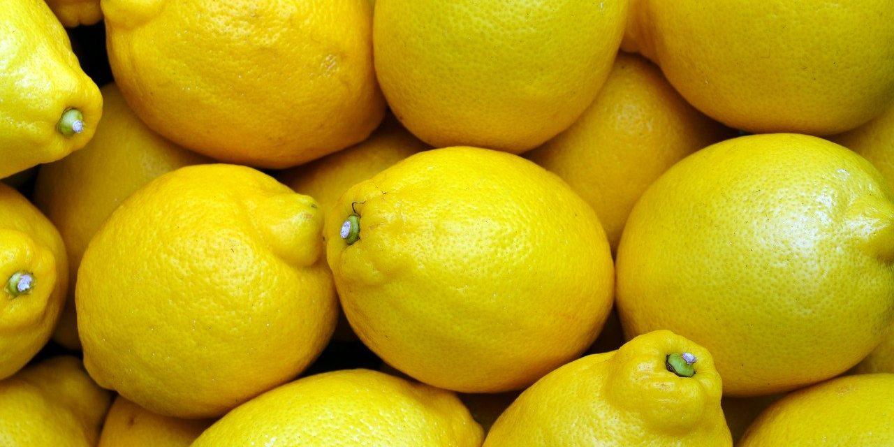 Воће поскупело, лимун и до 300 динара за килограм