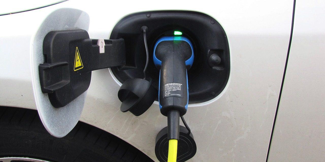 Субвенције за куповину електричних и хибридних возила