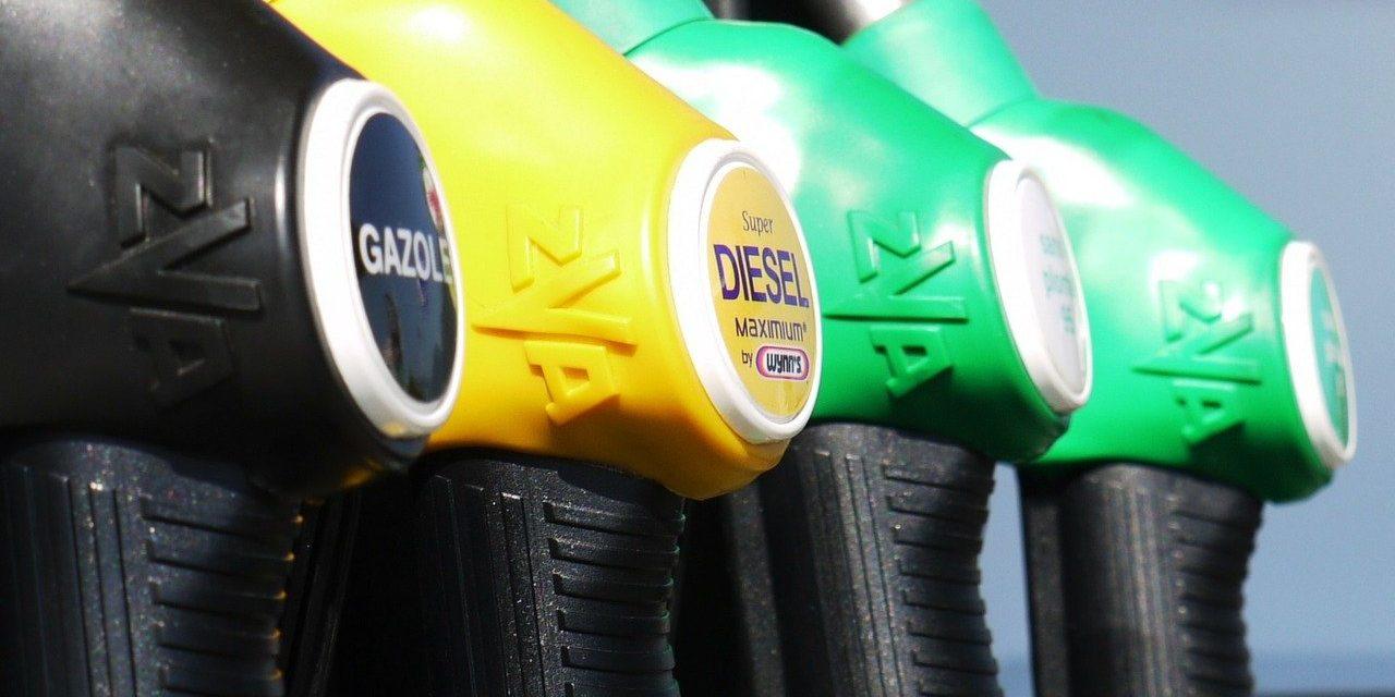 """""""Gaspromnjeft"""" daje besplatno gorivo za policiju i zdravstvo"""
