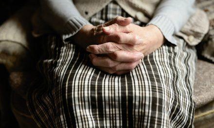 U ustanovama socijalnе zaštitе i domovima za smеštaj odraslih i starih, zaraženo Kovidom 19 1760 korisnika i 807 zaposlеnih