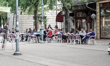 Bašte požarevačkih kafića danas: Gosti bez maski i rukavica
