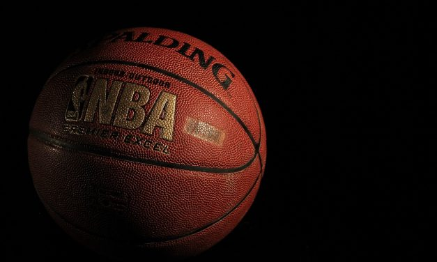 Preminuo bivši NBA igrač čiji je rekord trajao 63 godine