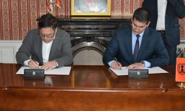 """Potpisan Ugovor o otuđenju zemljišta između Grada Požarevca i kompanije """"BAMBI SUCCESS"""" DOO Požarevac"""