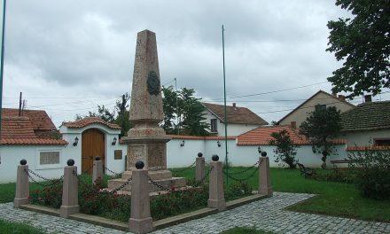 Na današnji dan podignut prvi spomenik u javnom prostoru-Spomenik hajduk Veljku Petroviću