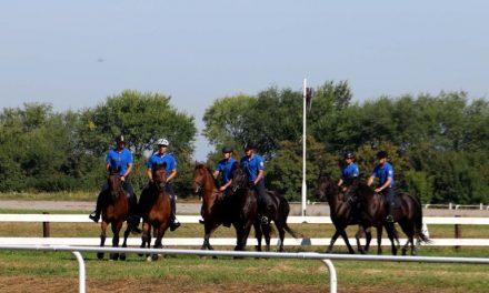 Ministar Vulin: Obnavljanje Konjičkog voda, poštovanje tradicije i očuvanje konjičkog sporta