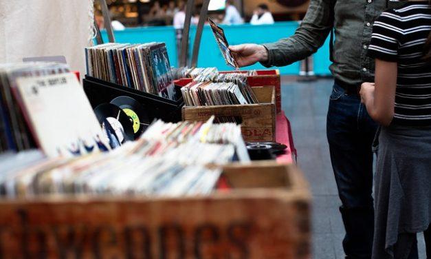 Prvi put od osamdesetih u SAD prodato više gramofonskih ploča nego diskova