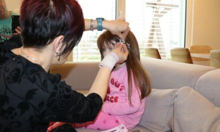 """""""Da moja kosa bude tvoja kosa"""": Ulepšajte dan deci oboleloj od raka šišanjem i doniranjem za perike"""