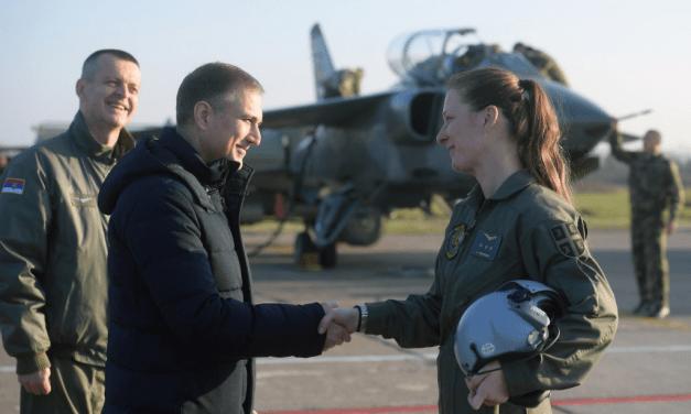 Vojska Srbije dobila prvu ženu pilota jurišnog borbenog aviona
