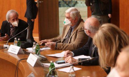 Krizni štab: Postojeće mere ostaju na snazi, neće biti organizovanog dočeka Srpske nove godine