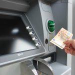 Penzionerima danas stiže na račune po 50 evra